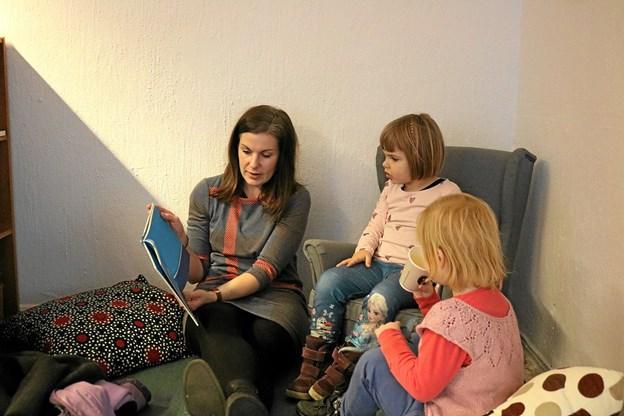 Der er mulighed for fordybelse i bøgerne, der kan læses på stedet eller lånes med hjem. Tommy Thomsen