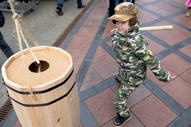 Selv militæret var blevet sat ind for at gå gjort has på tønderne.Foto: Henrik Louis HENRIK LOUIS