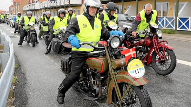 I Hals var der rig lejlighed til at studere de flotte motorcykler, der alle var fra før 1934. Foto: Allan Mortensen Allan Mortensen