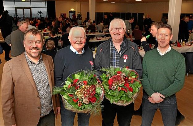 På billedet ses fra venstre adm. dir. Henrik Petersen, tømrer Peer Thoft, entrepriseleder Thorben Svendsen og produktionschef Christian Lykke Møller.