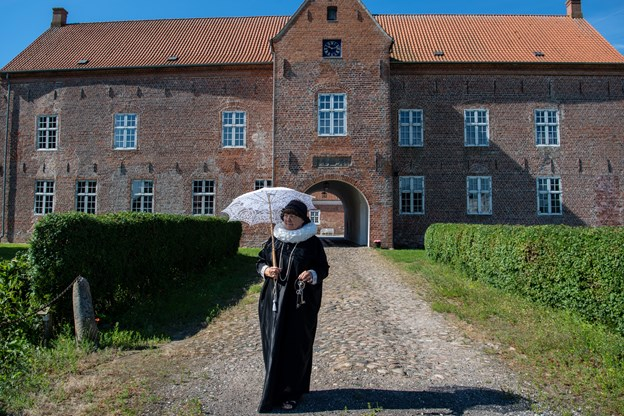 Ved matiné søndag den 17. marts om eftermiddag sættes der fokus på Sæbygaards spændende historie.