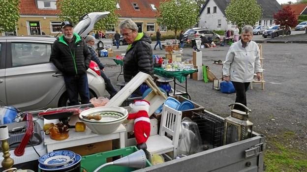 En kræmmer fra Fjerritslev havde traileren fyldt op med alverdens ting.