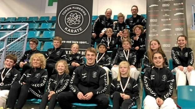 16 kæmpere fra Tokon Hjørring Karate deltog i stævne i Kolding.