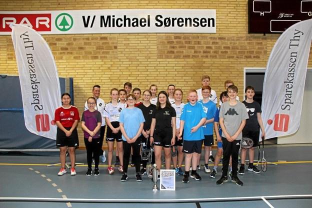 Det var stolte spillere der kunne vise diplomet frem som bevidner at Thyholm Badmintonklub er kåret som Vestjyllands bedste.