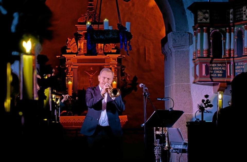 Foruden sit daglig job i Sønderjyllands Symfoniorkester afholder Per Nielsen koncerter rundt i landet, og med mere end 400.000 solgte CD'er er han Danmarks mest populære instrumentalist. ?Foto: Niels Helver Niels Helver