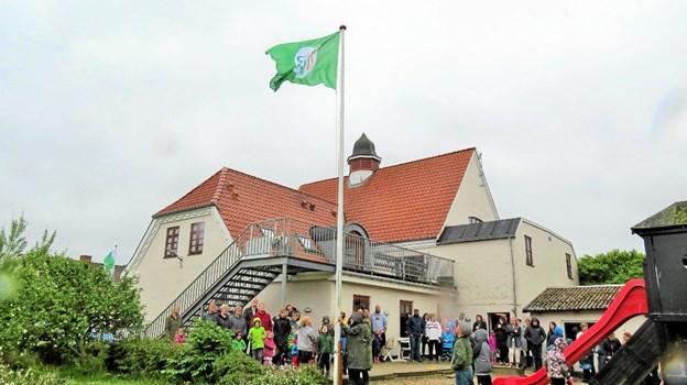 Så kom flaget op og foldede sig flot ud. Foto: Kirsten Olsen Kirsten Olsen