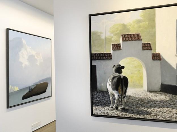 Poul Anker Bech har malet utallige billeder, som hænger mange steder i Vendsyssel. Her fra en tidligere udstilling på Vendsyssel Kunstmuseum. Arkivfoto: Peter Broen Peter Broen