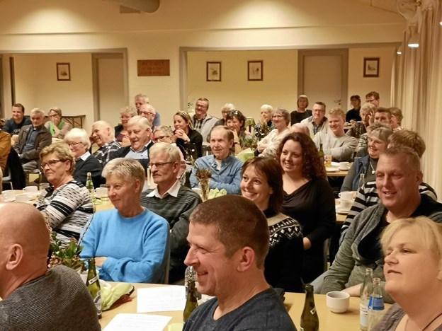 Godt 90 var mødt op til det festlige foredrag i forsamlingshuset i Kirketerp. Privatfoto