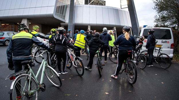 Ankommet - endelig. For de voksne, de ikke havde været med til at cykle til København, var turen lang og kold. Men for børnene var det slet ikke så slemt, selvom det naturligvis var lidt køligt. For har man cyklet til København, kan man lige præcis det, man bestemmer sig for. Især hvis man er sammen om det. Foto: Laura Guldhammer