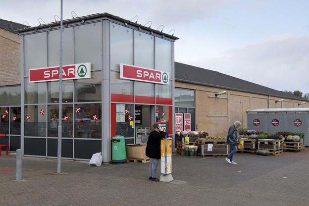 Lokale Spar-købmænd overtager Spar på Simons Bakke 1. april.  Arkivfoto: Peter Mørk
