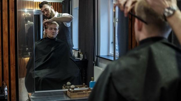 På første sal vil Rasmus Luther og en kollega klippe og barbere. Foto: Lasse Sand