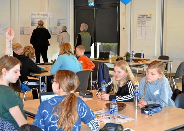 Eleverne brugte tid på at tale sammen indbyrdes for at grave de rigtig gode idéer frem. Privatfoto