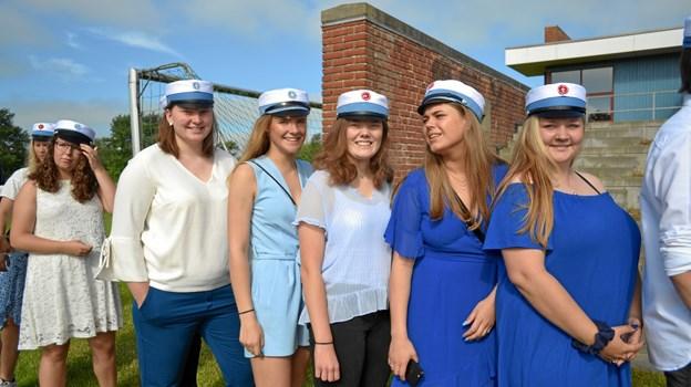 En flok af dette års HF studenter.Privatfoto