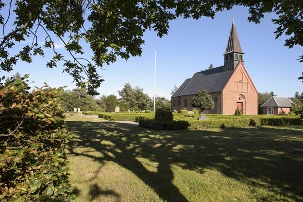 Hulsig Kirke danner rammen om en konfirmands store dag 17. maj. Arkivfoto: Peter Broen