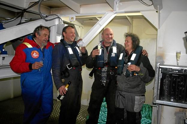 Ruth Bloom fejrer forankringen af Tordenskiold sammen med sine nærmeste medarbejdere.