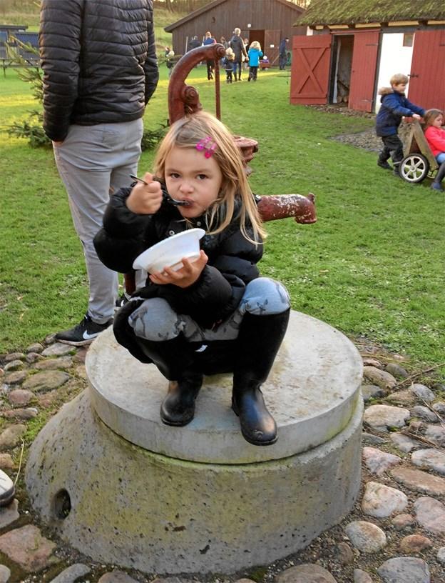 Søndag 2. december vanker der risengrød til både børn og nisser på Boldrup Museum. Privatfoto