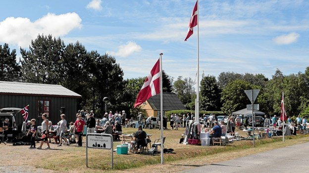 Det summede af sol, sommer og markedsstemning ved det årlige marked i Hulsig. Foto: Peter Jørgensen