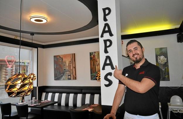Serdar Keskin i restauranten, der har fået nyt look. Foto: Jesper Bøss