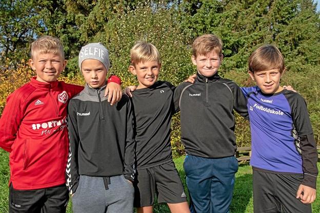 De store drenge fra 4. klasse, Tobias, Gustav, Lauritz, Markus og Lucas, er klar til at give den 'fuld skrue' og komme først i mål. Foto: Niels Helver