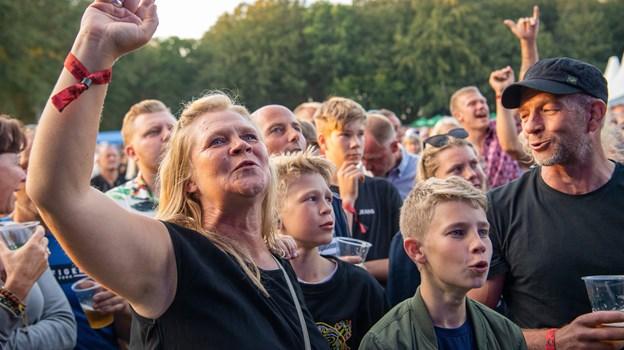 Musik skal man kunne synge med på, og det kunne publikum. Foto: Peter Broen Peter Broen