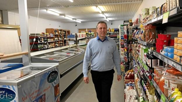 Butikken har et bredt varesortiment med mange lokale varer, og det bliver der ikke ændret på. Privatfoto