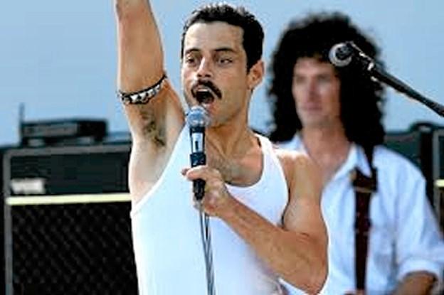 Rami Malik spiller hovedrollen som Freddie Mercury, Queens karismatiske forsanger. Filmen har fået navn efter gruppens mest ikoniske nummer, Bohemian Rhapsody. Foto: Fjerritslev Kino
