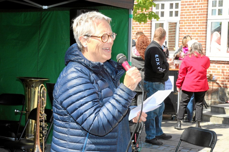 Lisbeth Emmery præsenterede sammen med Søren Petersen 70 nye tilflyttere. Flemming Dahl Jensen
