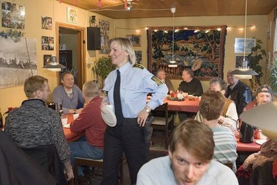 Brofolket samarbejder minsandten også med politiet i skikkelse af politiassistent Liselotte Jensen. arkivfoto: carl th. poulsen