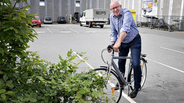 Kurt Frederiksen er med, når sponsorcykelløbet skydes fra start på lørdag fra Bispetorvet. For hver runde han tilbagelægger, er der 300 kroner til børneafdelingen på sygehuset - han opfordrer flere til at trampe i pedalerne på dagen. Foto: Bent Bach