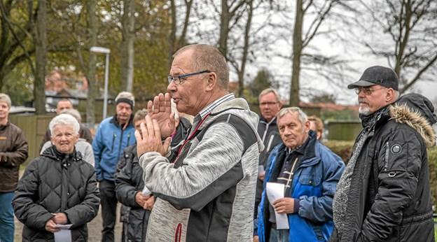 Campingfatter Ole Vang takker alle campisterne for en god sæson og byder de 40 vinter campister velkommen. Foto: Mogens Lynge