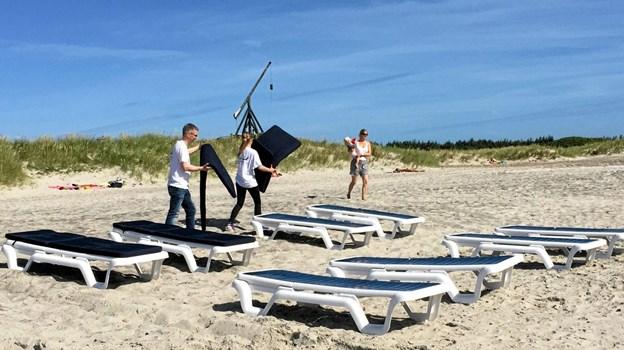 Nu er det slut med at udleje solvogne og parasoller i Skagen - i hvert fald i år Arkivfoto: Peter Broen