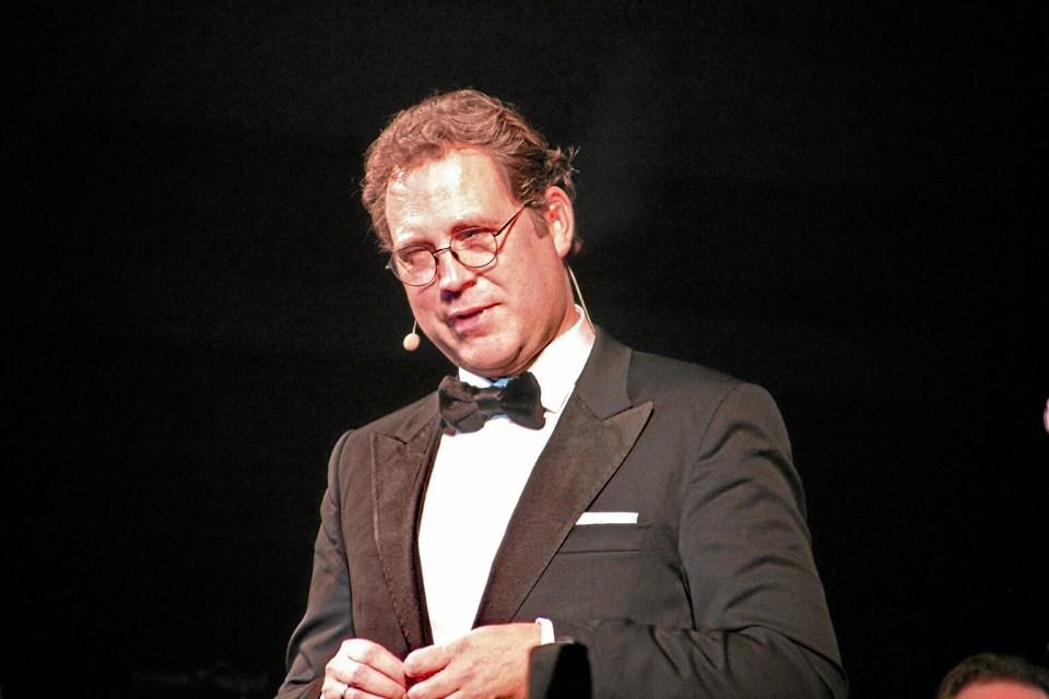 Musikkorpsets dirigent, Rene' Bjerregaard Nielsen takkede for velkomsten. Foto: Hans B. Henriksen Hans B. Henriksen
