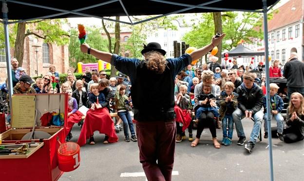 Tryllekunstner Christian de Wilde gæster Asferg på lørdag.