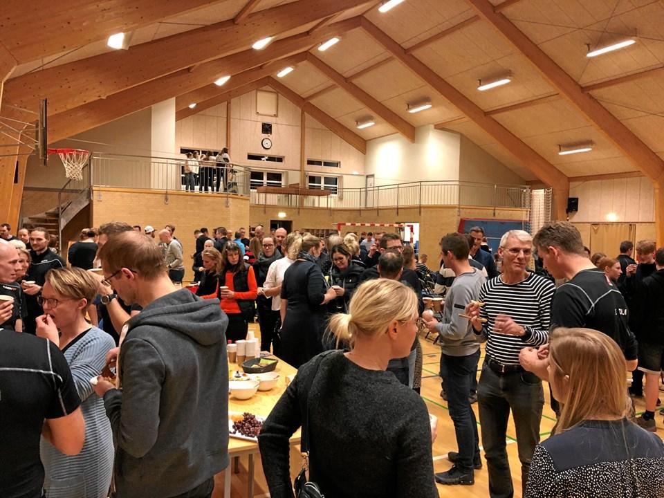 Over 200 dukkede op til foredraget på Onsild Idrætsefterskole. Privatfoto