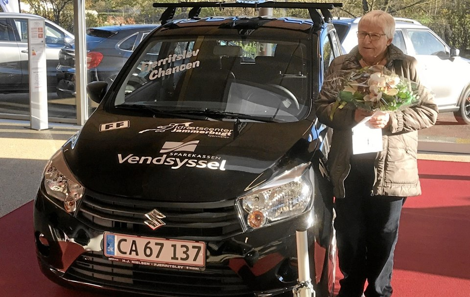 Vinder af hovedgevinsten, en Suzuki Celerio, blev Grete Mose. Foto: Kasper Mølbæk
