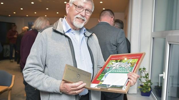 Ole Riemer fik årets naturpris af Brønderslev Kommune for hans mangeårige indsats for det grønne område som skovforvalter og kommunalgartner.Foto Bente Poder