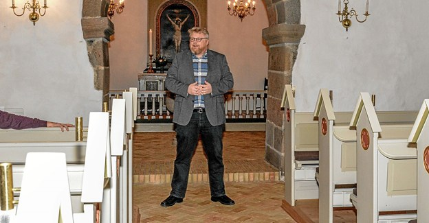 Sognepræst Torben Haahr bød velkommen til visesang i Vindblæs Kirke. Foto: Mogens Lynge Mogens Lynge