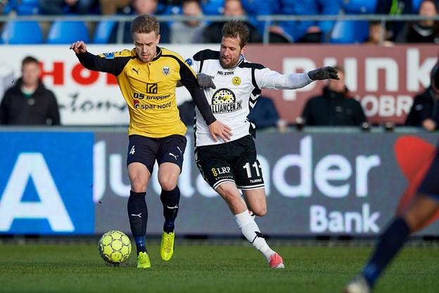 Jacob Tjørnelund er klar til at tørne ud for Hobro i yderligere tre sæsoner. Arkivfoto: Henrik Bo