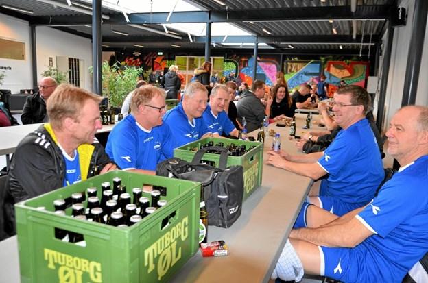 Hygge mellem kampene... og nå ja, øl hørte sig til...? Foto: Jesper Bøss Jesper Bøss