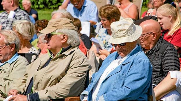 Hat var en rigtig god ide i den skarpe sol. Foto: Hans B. Henriksen Ole Iversen