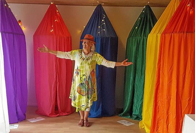 Bodil Lilholdt Rydtz udstiller healingsmusik & farveportaler. Privatfoto