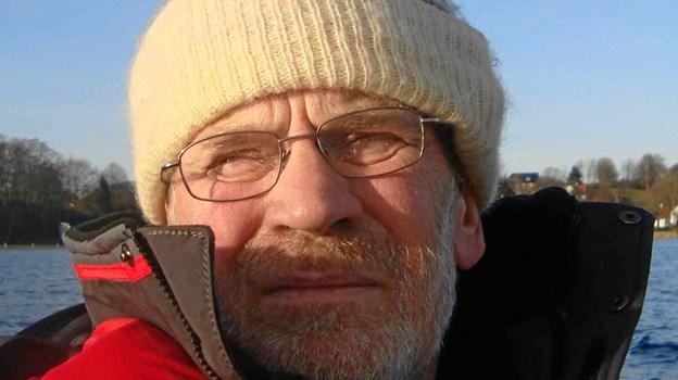 Paul Arnbak er fortsat aktiv sejler i sin meginjolle. Arkivfoto