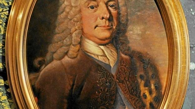 Jacob Severin ejede Dronninglund Slot 1735-1753. Han købte godset, Dronninggaard, Hals Ladegaard, Dronninglund Storskov og Hals Nørre- og Sønderskov for 60.000 rigsdaler. Ved hans død opgjordes hans formue til 9.000 rigsdaler. Han ligger begravet i Dronninglund Kirke. Foto: Ole Torp Ole Torp