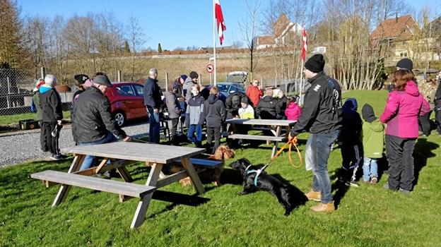Borgerne i Valsgaard mødtes og fik samlet 240 kilo skrald søndag. Privatfoto