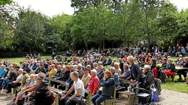 Rigtig mange havde fundet vej til koncerten i Christiansgave. Foto: Hans B. Henriksen