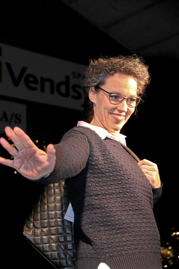 Hanne Hargaard præsenterer her tøj fra Butik Backstage. Foto: Hans B. Henriksen Hans B. Henriksen
