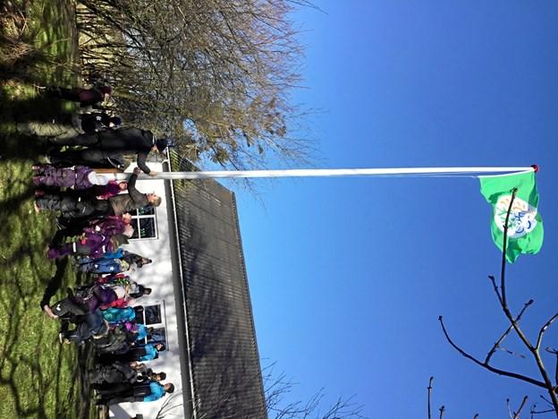 Både børn og voksne nød en fantastisk dag med masser af spændende oplevelser, da børnehaven Gl. Dalhøj hejste det grønne flag for at fejre forårets komme. Privatfoto
