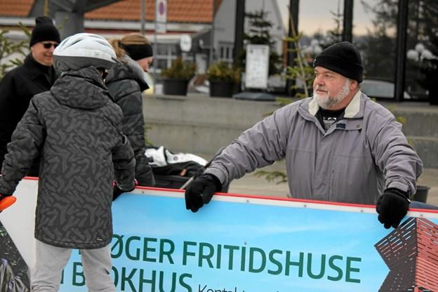 Mange familier følger aktiviteterne på skøjter. Foto: Flemming Dahl Jensen Flemming Dahl Jensen