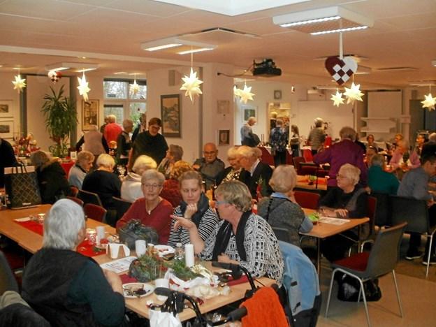 Der var også i år stor interesse for julemarkedet på Beltoften. Foto: Kjeld Mølbæk