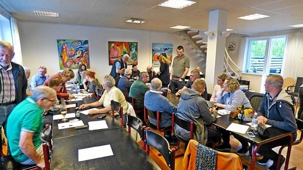 Knap 30 mennesker deltog i borgermødet i Skelund Midtpunkt. Foto: Ejlif Rasmussen